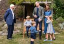 Attenborough gives shark tooth to 7-year-old Prince George